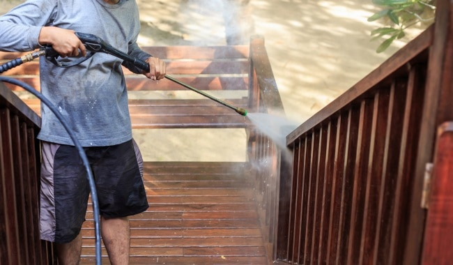 Pressure-Washing-Wooden-Deck-Recommendations